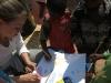 Die Kinder schienen noch nie einen Stift in der Hand gehalten zu haben